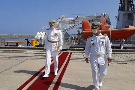 ناوگروه روسی با استقبال ناوگان شمال وارد آبهای ایران شد