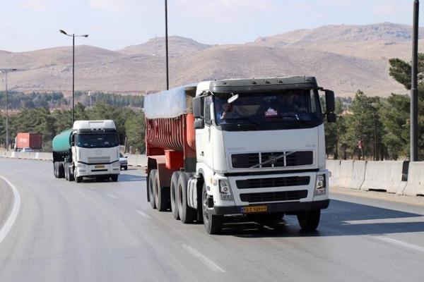 امسال ناوگان فارس 15 میلیون تن کالا جابه جا کرد
